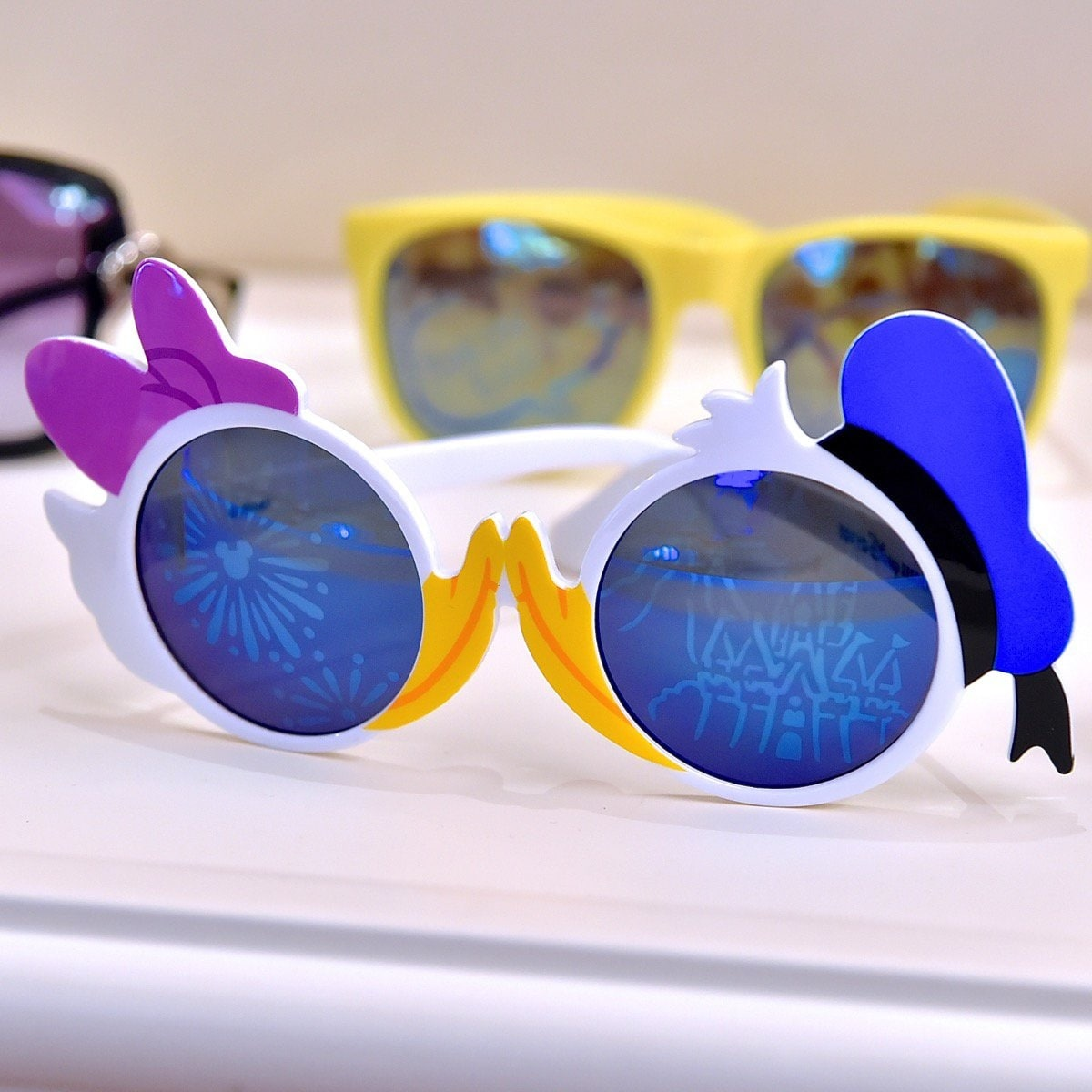 9. Donald & Daisy Kiss Sunglasses