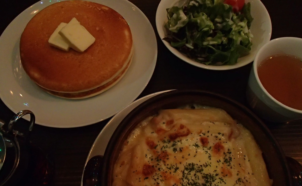 5. Clover's Cafe — Set Meal with Pancakes (Daikanyama)