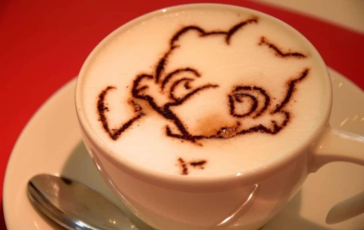 5. Artnia Cafe (Shinjuku)