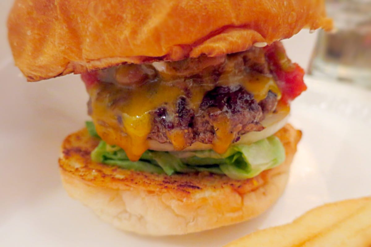 6. Burger Mania / Ebisu