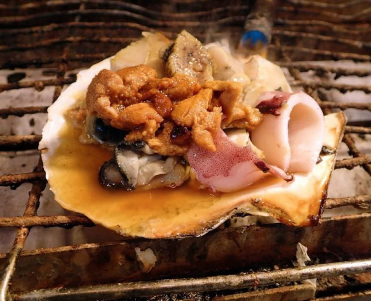 The Best Food around Tsukiji Fish Market! | All About Japan