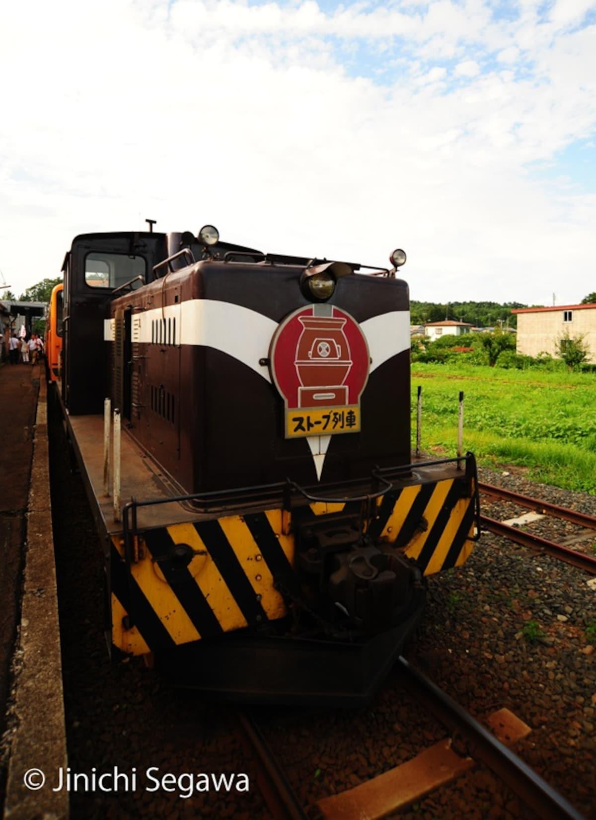 รถไฟเตาถ่านที่วิ่งในช่วงเทศกาล