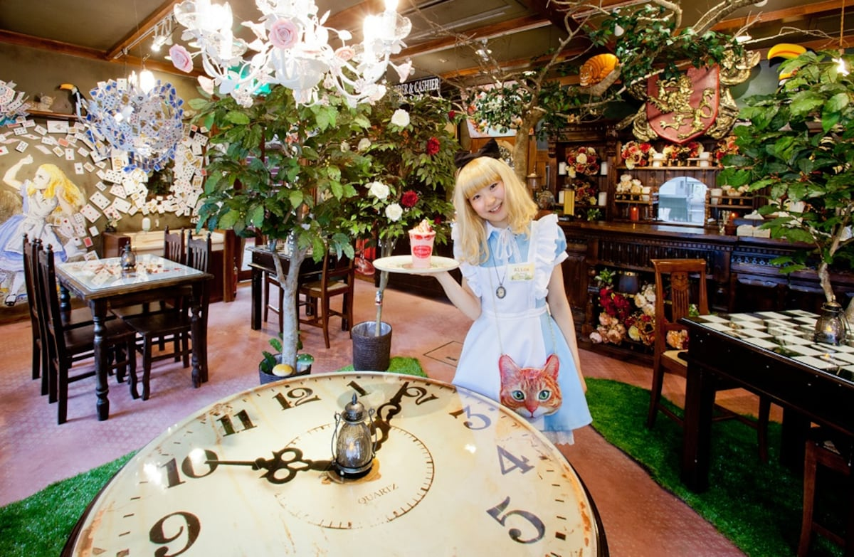 5. Adventuring with Alice in Yufuin Wonderland