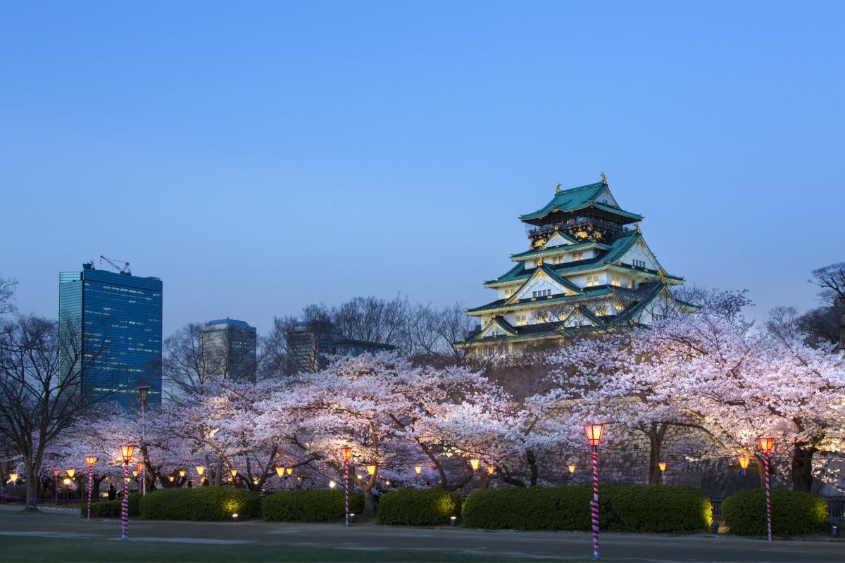 5. Osaka Castle
