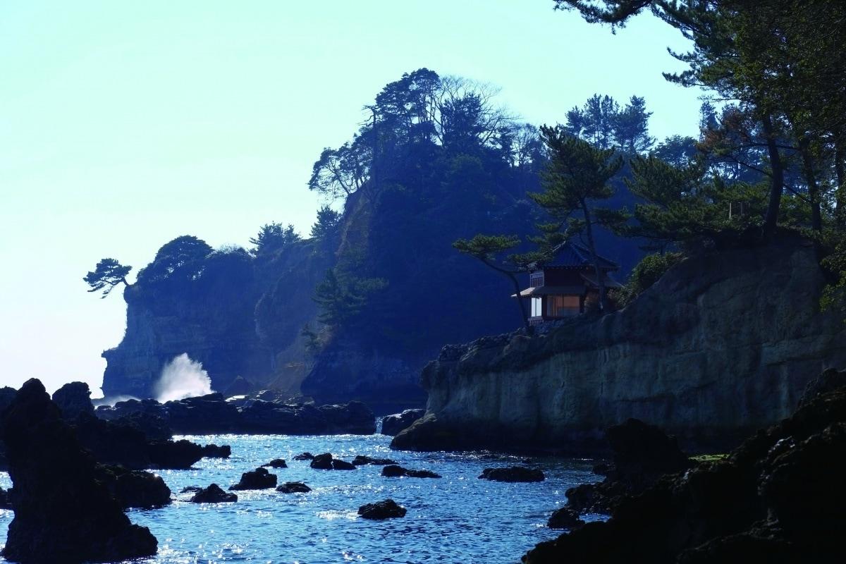 Izura Rokkaku-do