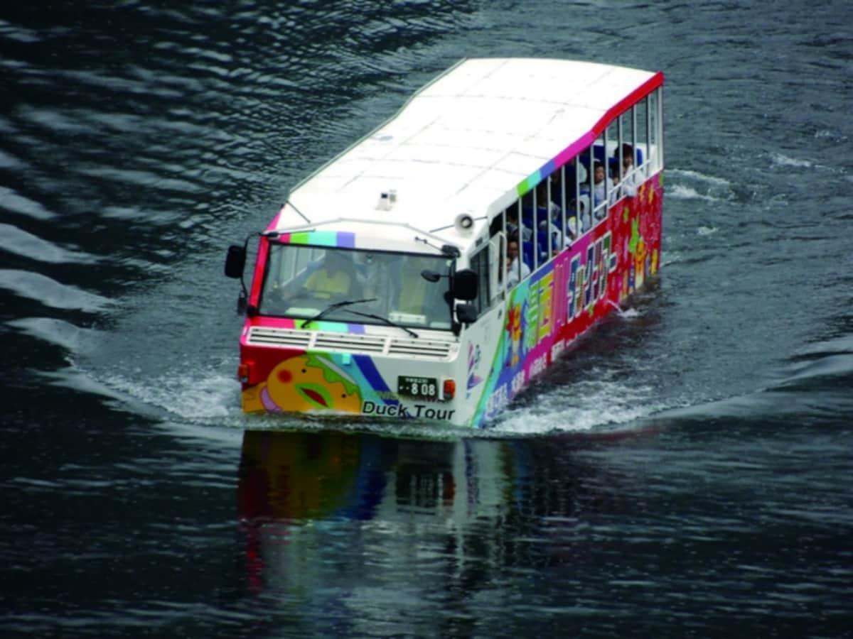 水陆两用公共汽车(汤西川)