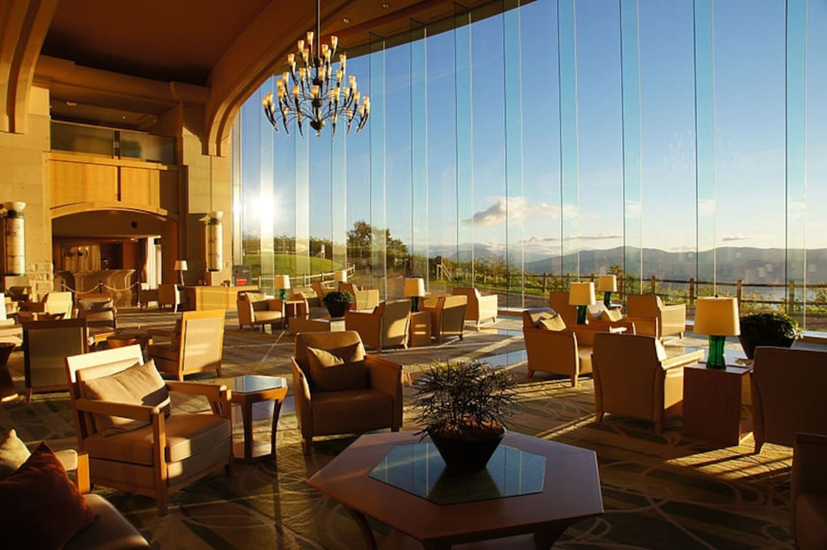 8. The Windsor Hotel Toya Resort & Spa