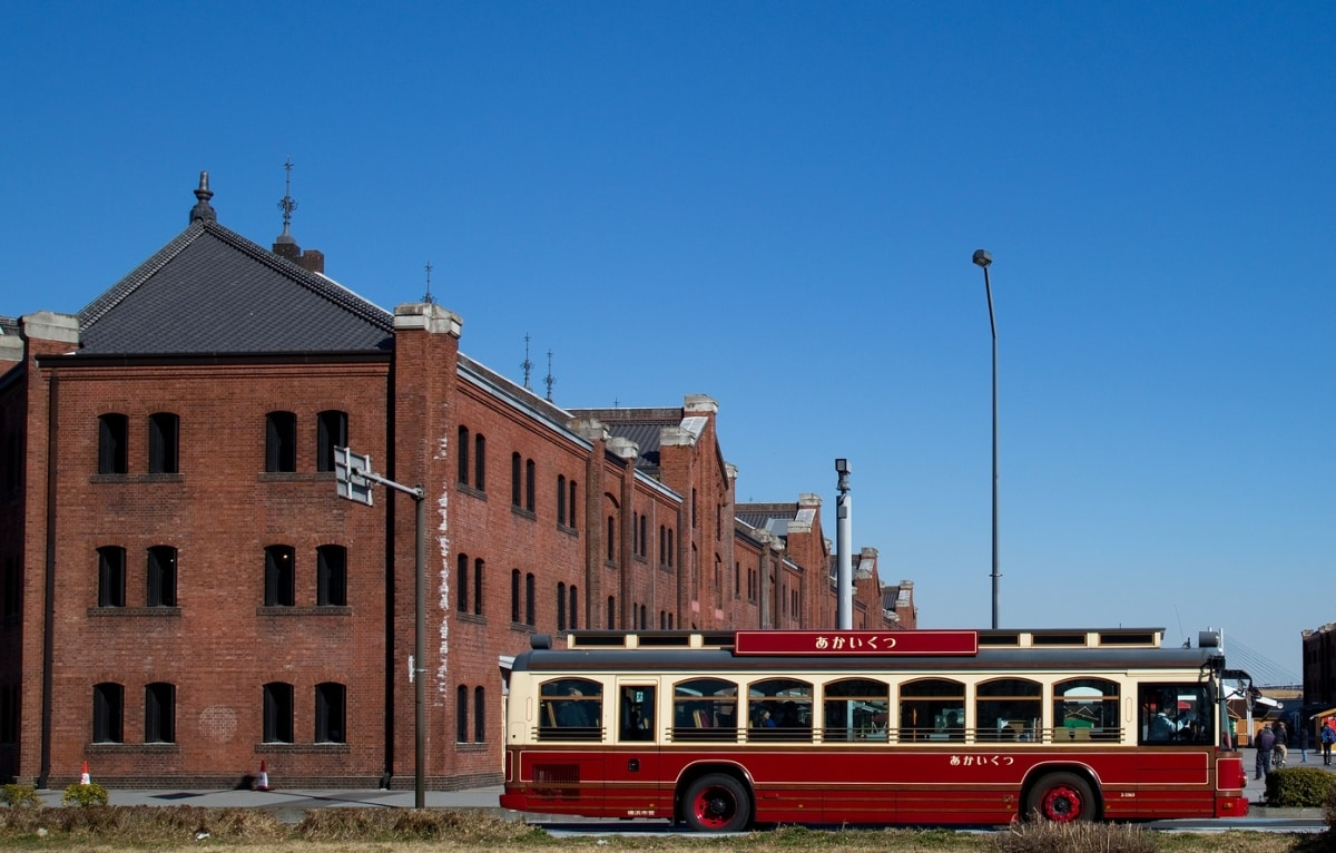 The Red Bus (Yokohama)