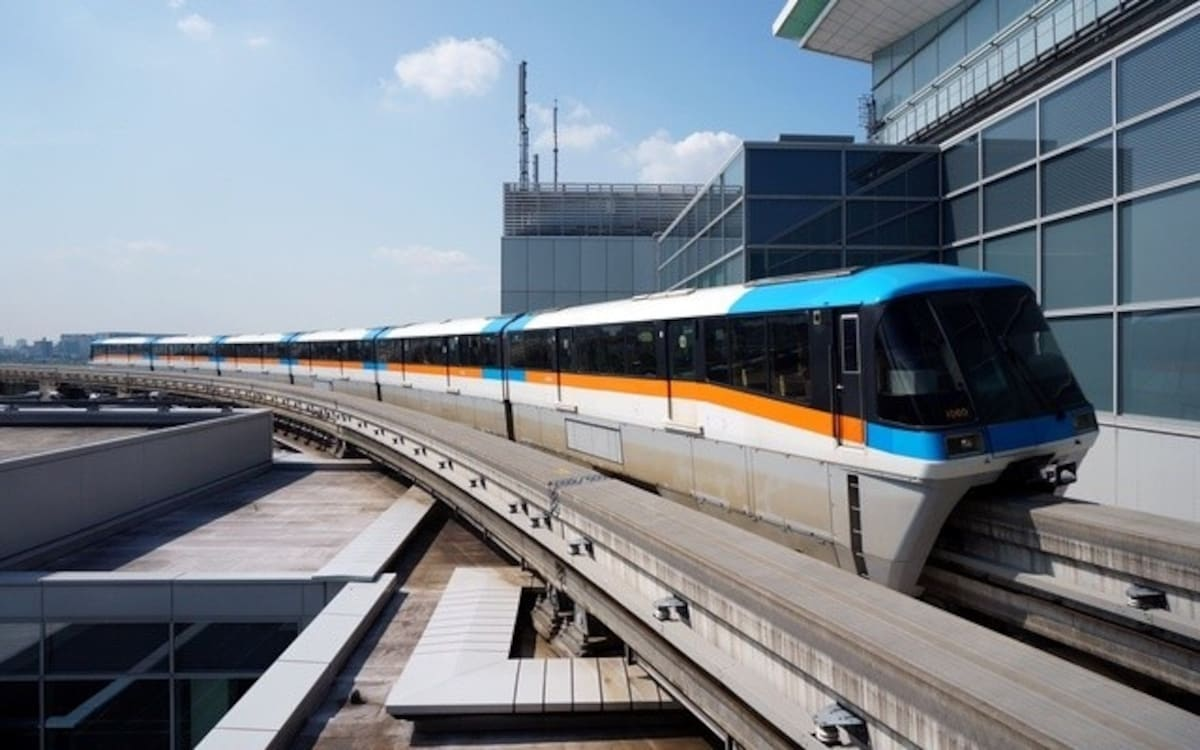 The Simplest, Most Convenient Route: Tokyo Monorail & JR Lines