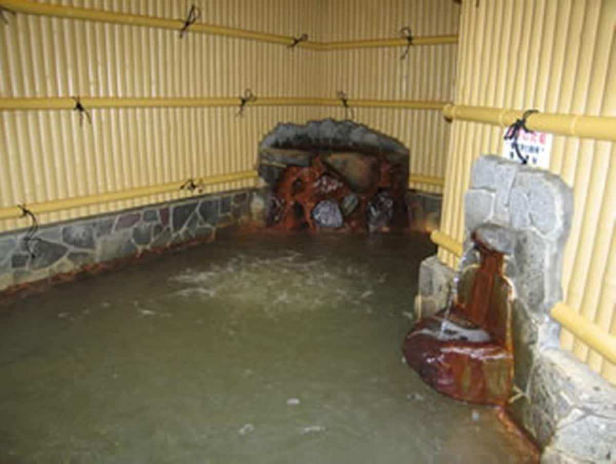 ออนเซ็นที่ใช้น้ำจากตาน้ำร้อนธรรมชาติ แต่อยู่ใจกลางเมืองเกียวโต