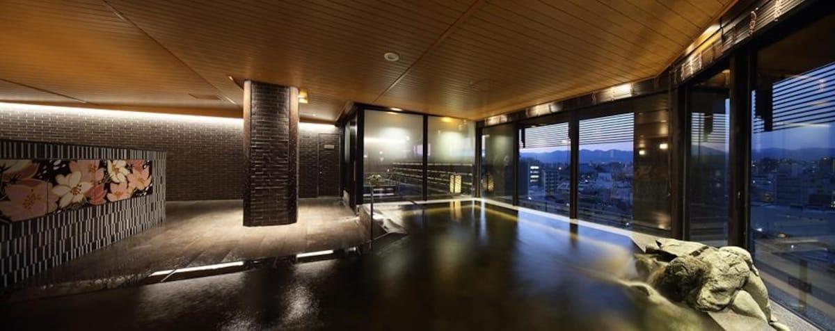 城市喧囂中的休憩之所│京湯元 ハトヤ 瑞鳳閣(Kyoto Hot spring HATOYA Zuihokaku Hotel)