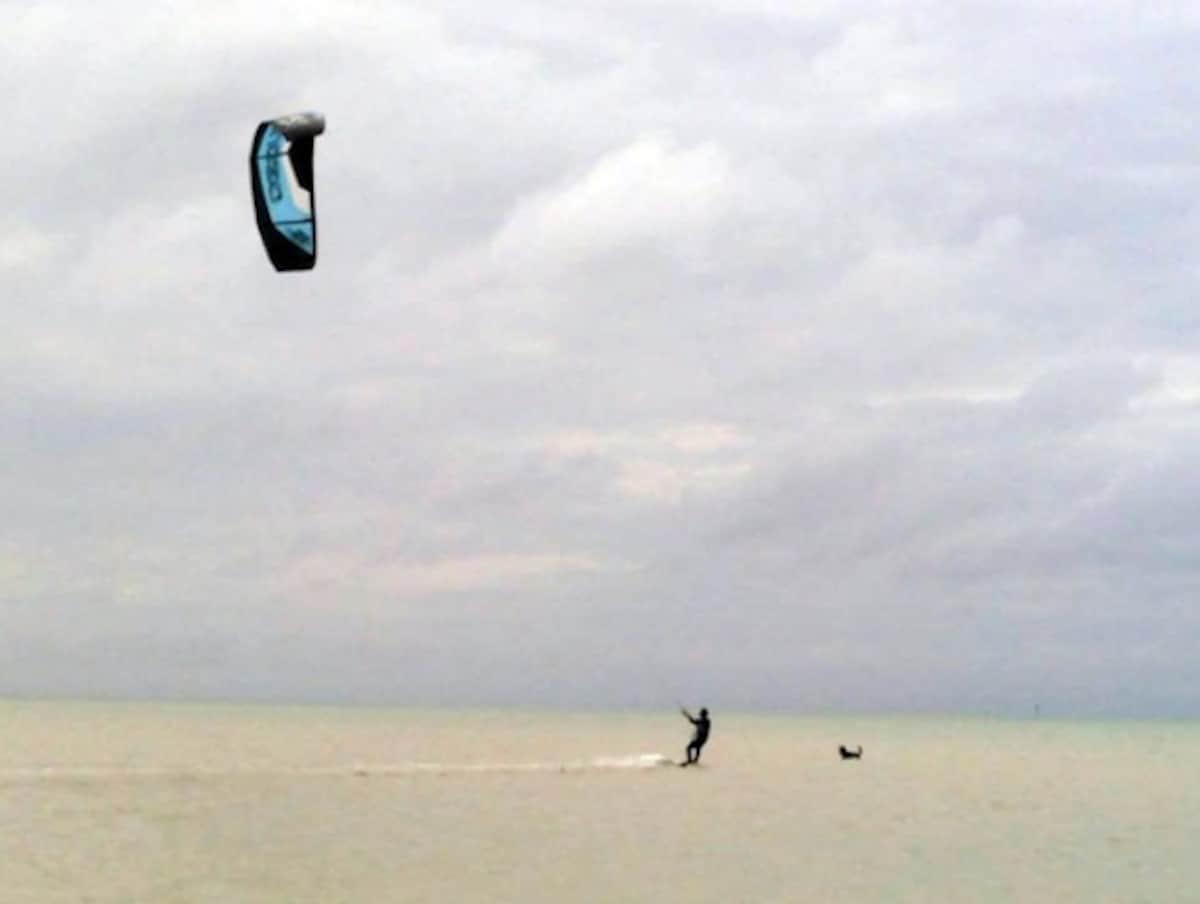 Kiteboarding (Miyako Island)