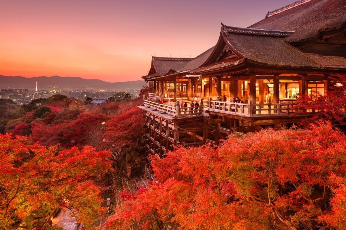 1. วัด Kiyomizu-dera