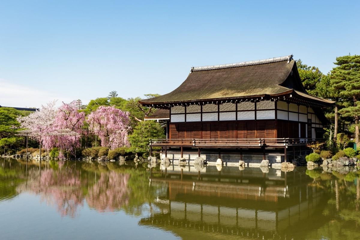 有關神社與寺院的宗教信仰