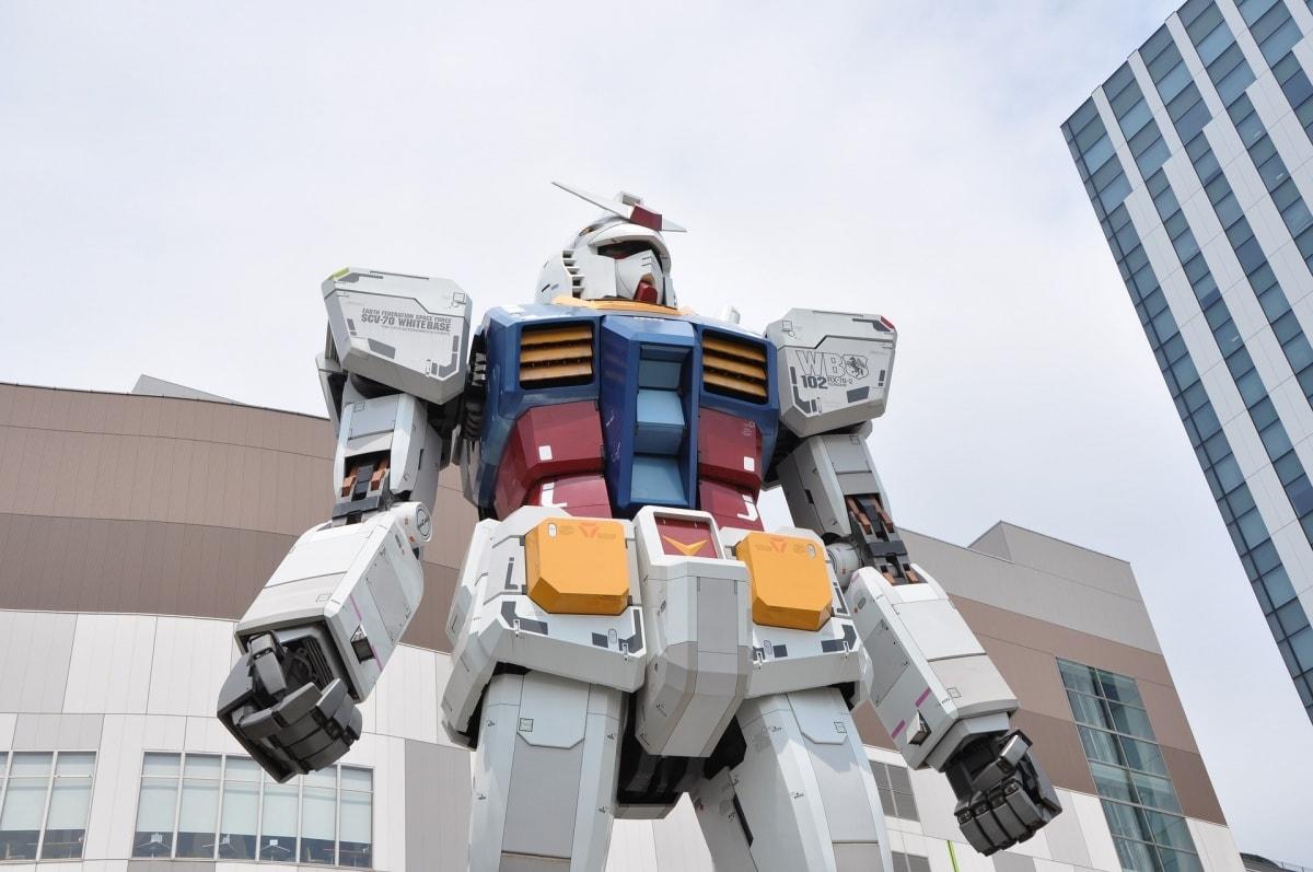 จากรุ่นเก่าสู่รุ่นใหม่ RX-78-2 สู่ RX-0 Unicorn