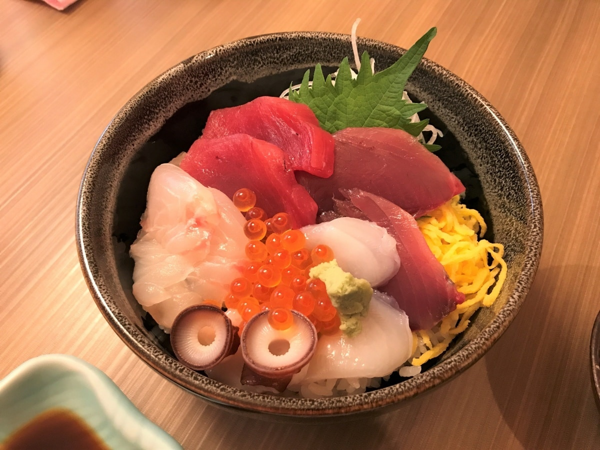 'Kaisendon' with fresh seafood direct from the harbor
