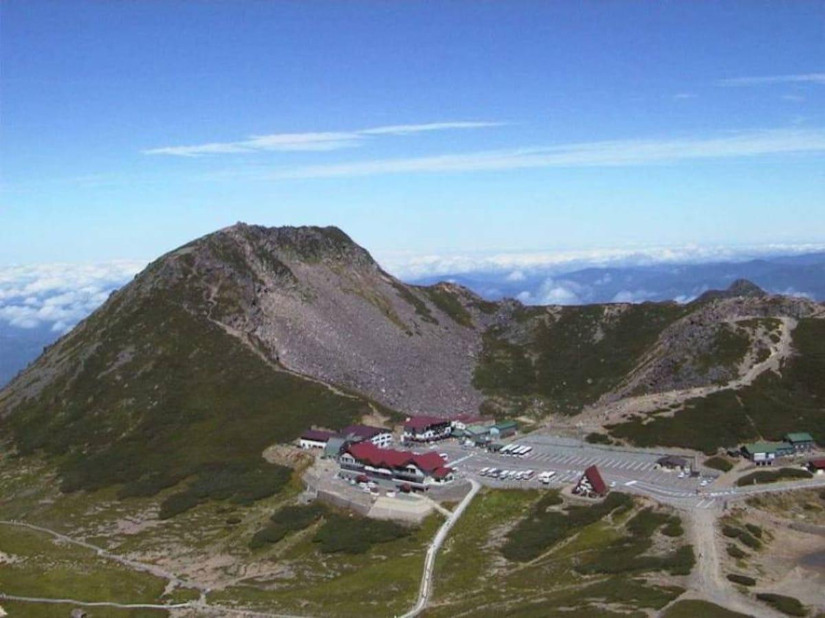 7. Climb to the summit of Mount Norikura!