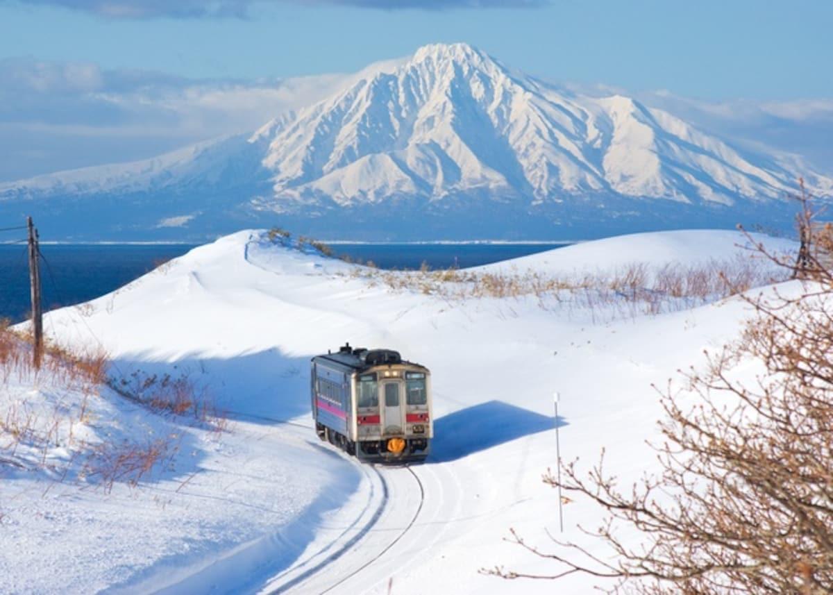 ■ 秘境路线1:北海道 宗谷本线│日本最北端的名山绝景