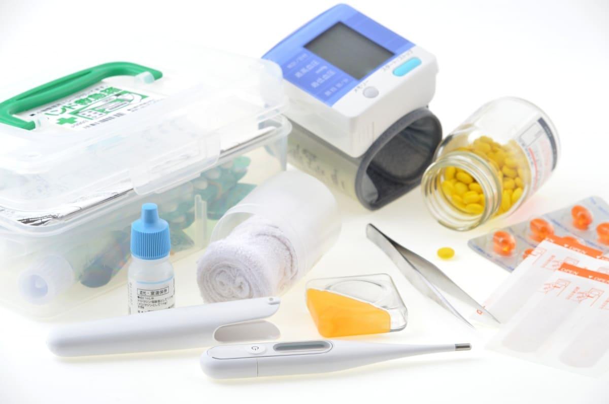อุปกรณ์ทำแผลและยาที่จำเป็น