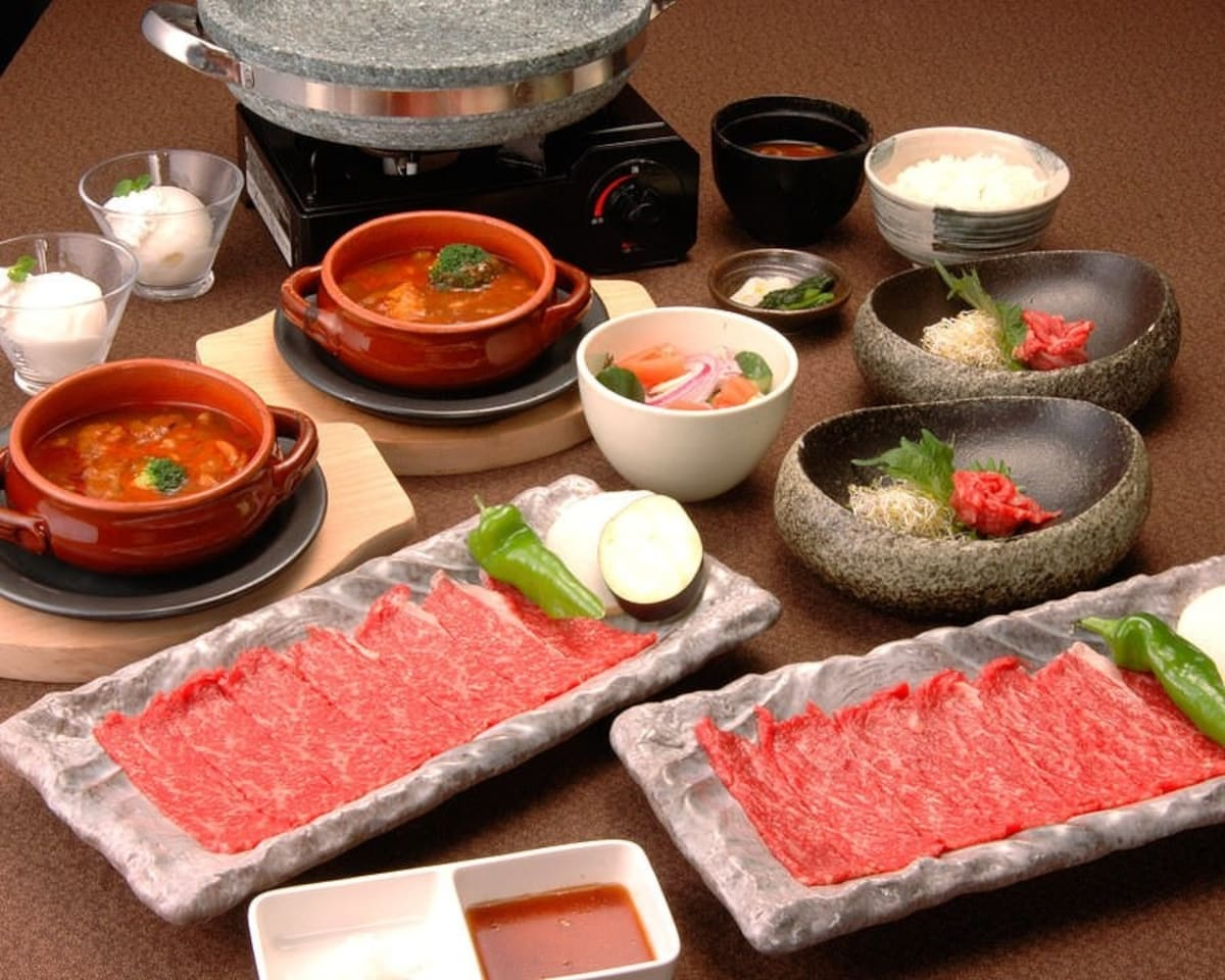 以A5和牛為中心的石板燒肉與牛排「和牛料理 要」