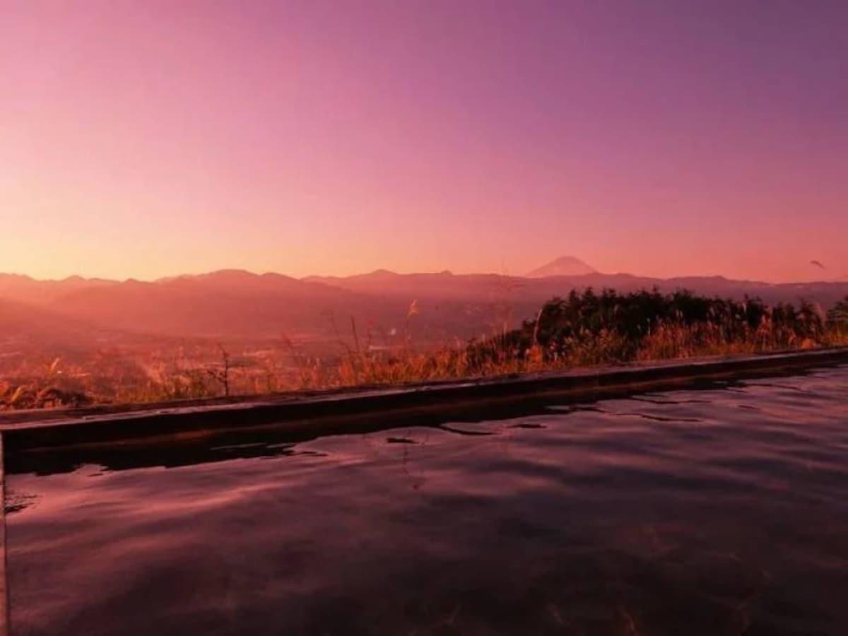 7. The stunning views from Hottarakashi Onsen in Yamanashi