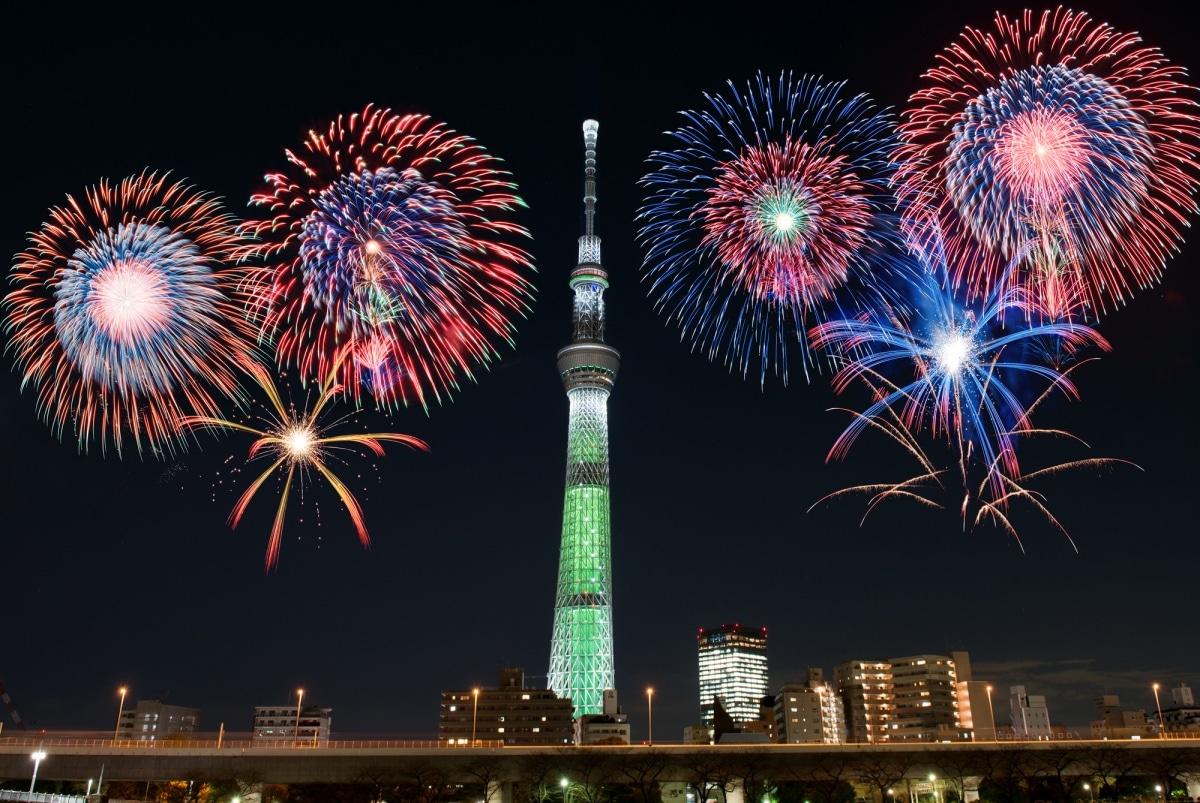 1.เทศกาลดอกไม้ไฟ ที่แม่น้ำสุมิดะ โตเกียว (Sumida River Fireworks Festival Tokyo)