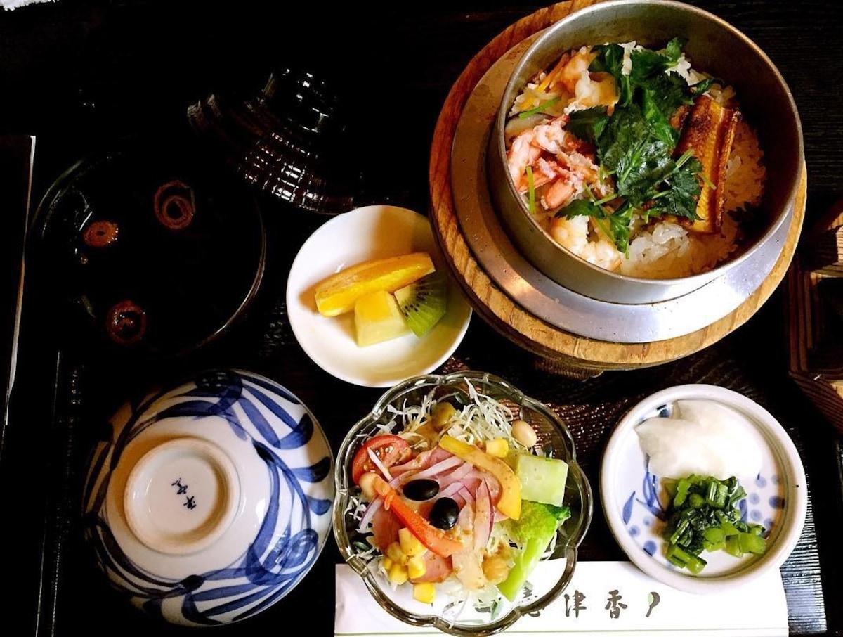 就是這一味!到奈良必吃的「志津香釜飯」
