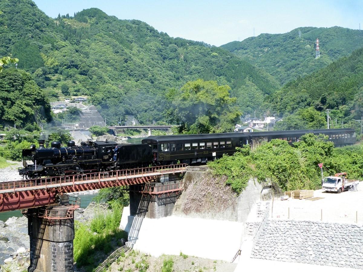 1. ขบวนรถจักรไอน้ำหนึ่งเดียวในคิวชู SL Hitoyoshi