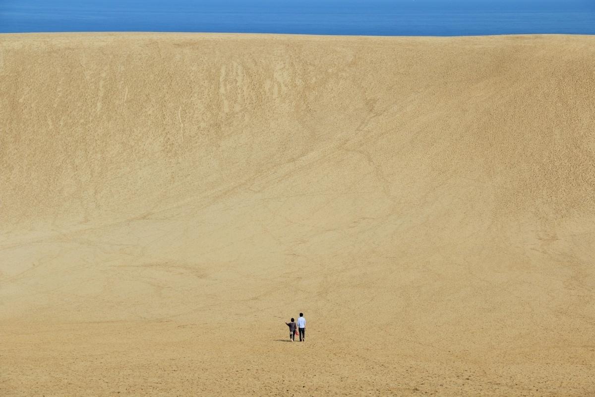 1. เนินทรายทตโตริ (Tottori Sand Dunes)