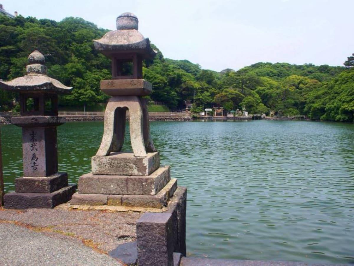 9. The Beautiful Nature of Myojin-ike