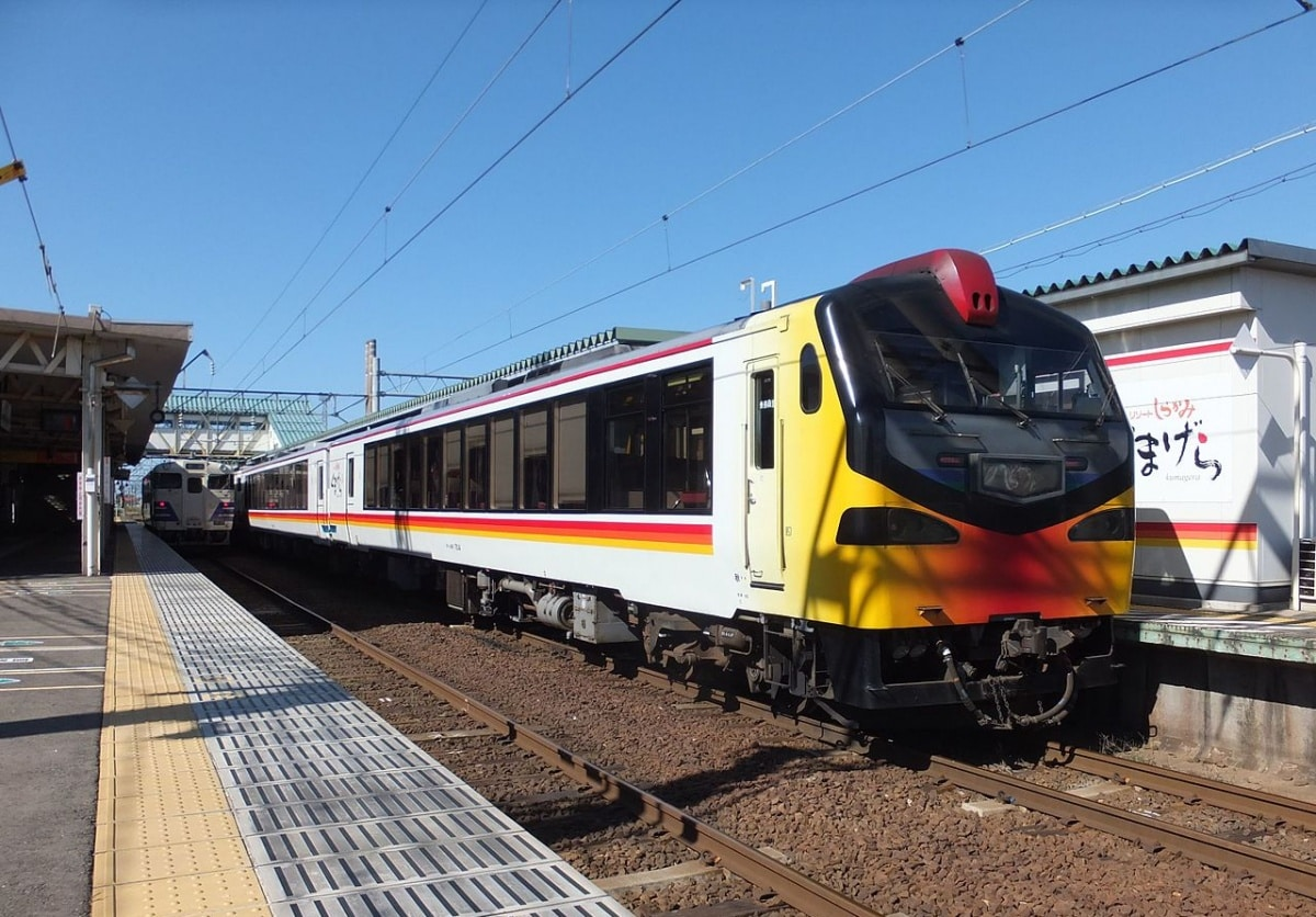 1. Resort Shirakami รถไฟชมทิวทัศน์ชายฝั่งทะเลอันงดงามของโทโฮคุ
