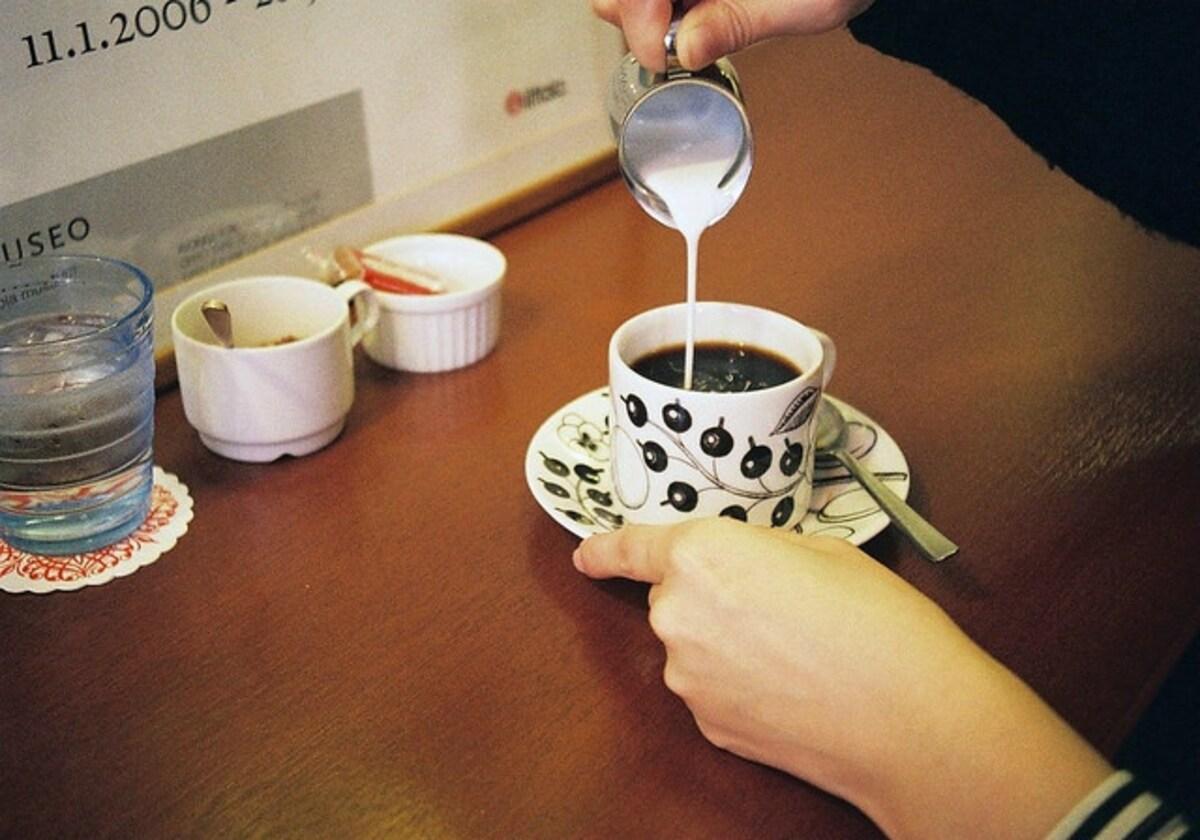 悠閒的日常咖啡午茶時間|ELK KAFFE