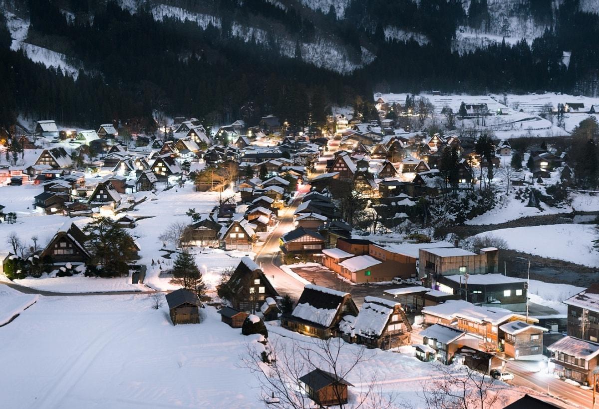1. หมู่บ้านชิราคาวาโกะ จ.กิฟุ (Shirakawago, Gifu)