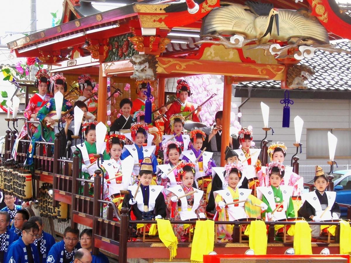 6. เทศกาลฮิทากะฮิบุเสะ, อิวาเตะ (Hitaka Hibuse Festival, Iwate)