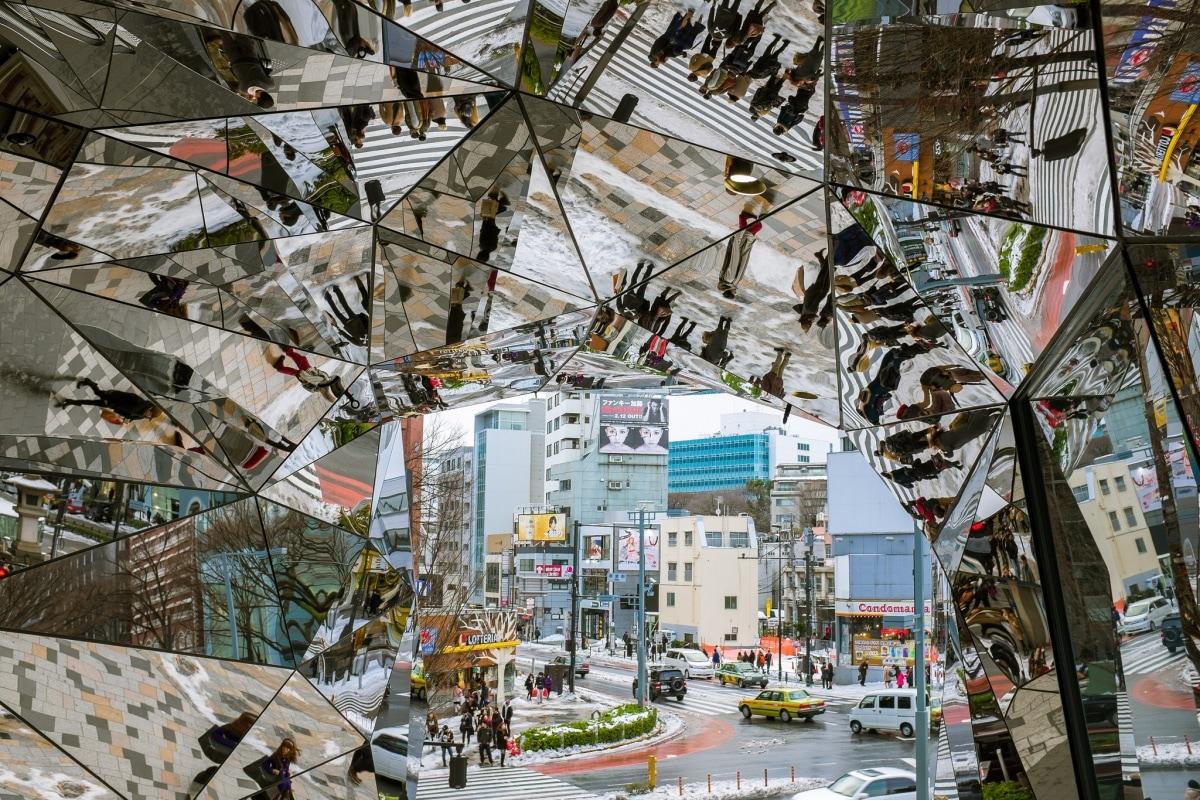 1. ทางเข้าห้างโตคิวพลาซ่า โอโมเตซันโดะ ฮาราจูกุ (TokyuPlazaOmotesandoHarajuku)