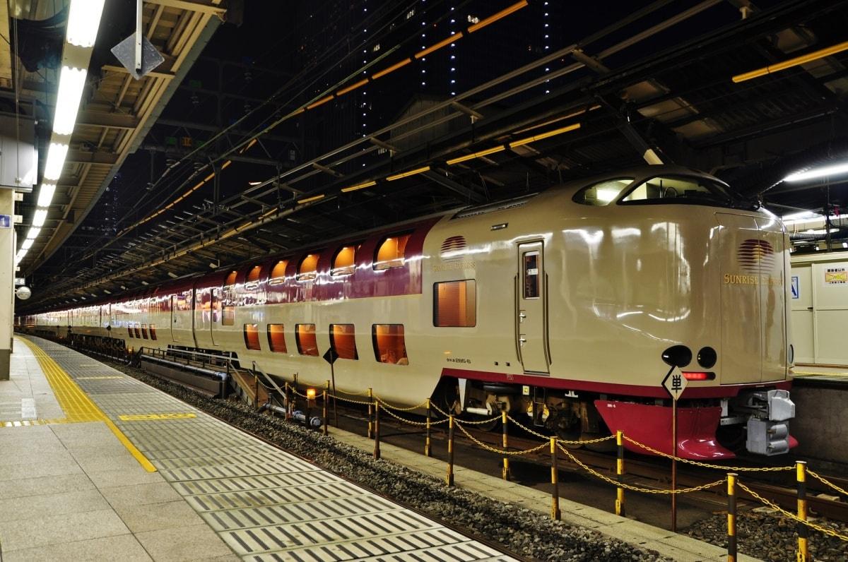日本唯一現行定期寢台夜行列車「Sunrise瀨戶・出雲號」