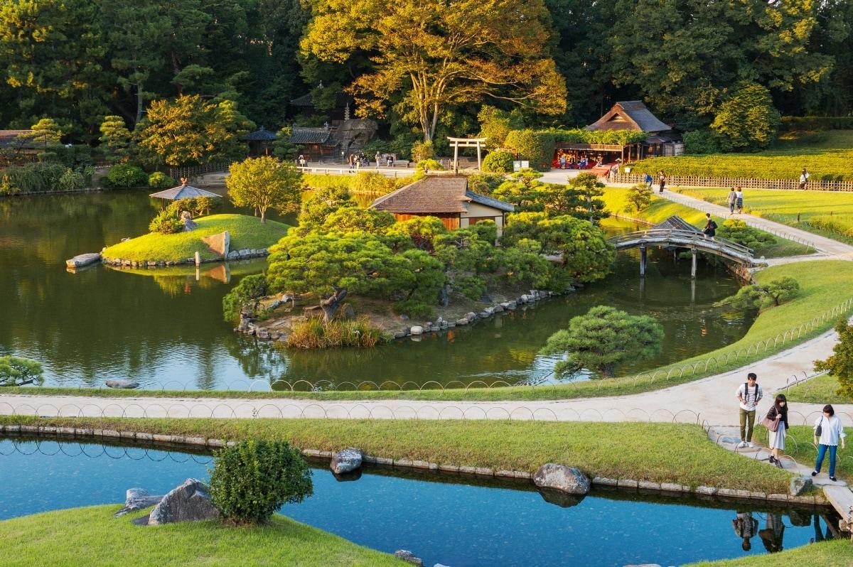 1. สวนโคราคุเอน (Korakuen Garden)