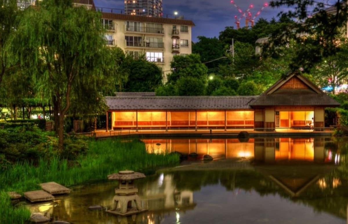 Hinokicho Park (near Roppongi Midtown) in Tokyo