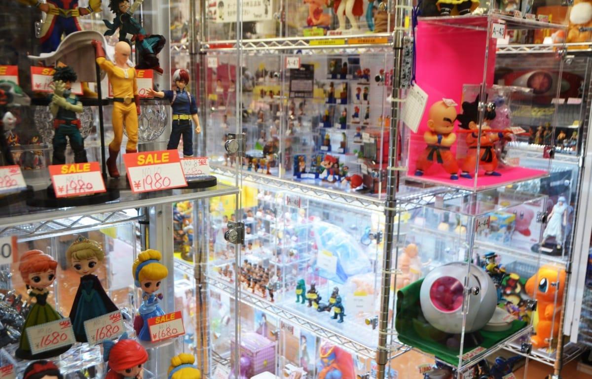 有關日本二手玩具店的分類與價格