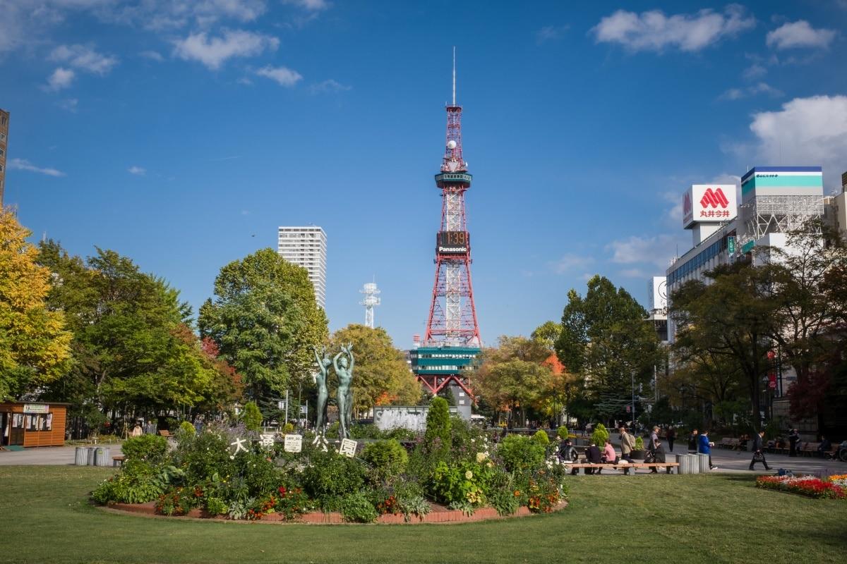 1. สวนสาธารณะโอโดริ (Odori Park)