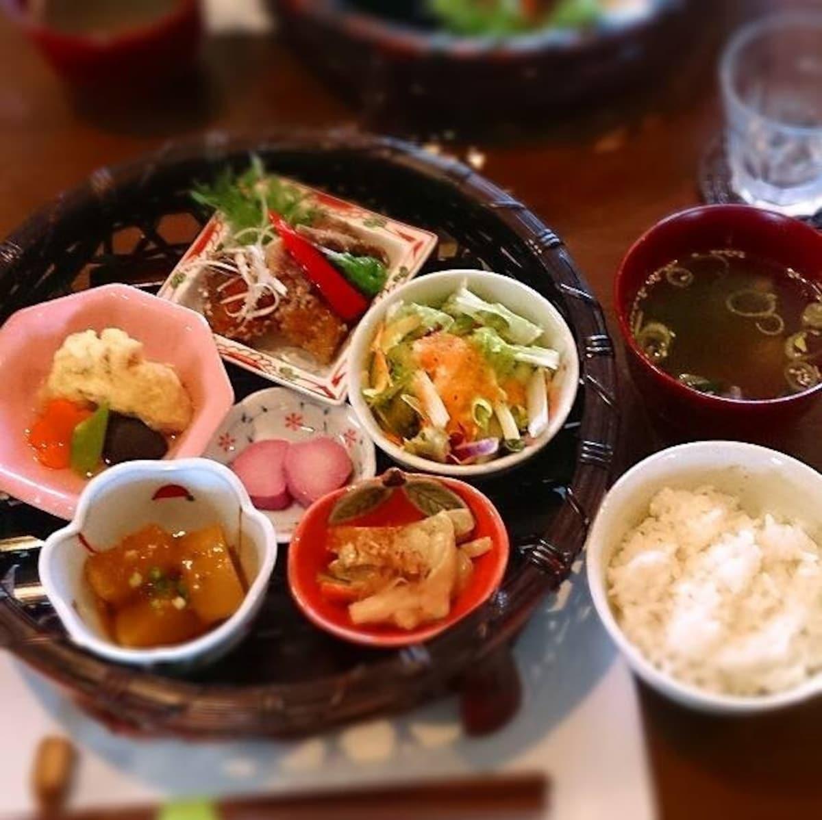 ■ 农园咖啡厅 日日木 @青森县十和田市