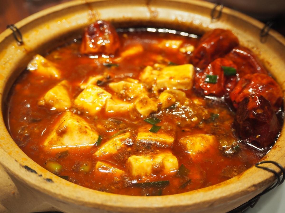"""อาหารเสฉวน """"หม่าโผวโต้วฟุ"""" ที่คนญี่ปุ่นเรียกว่า """"มาโบโทฟุ"""""""