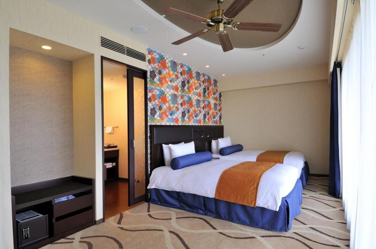 12. Loisir Hotel Naha