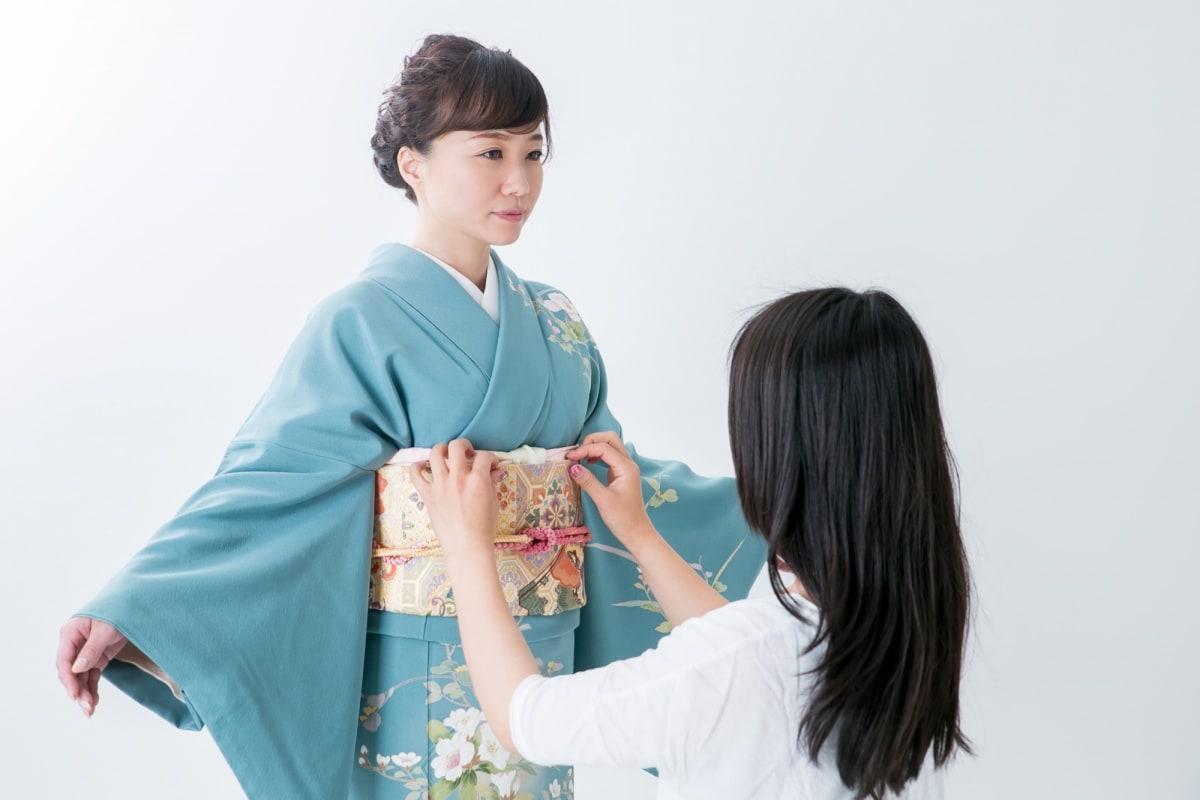 1 กิโมโน (Kimono)