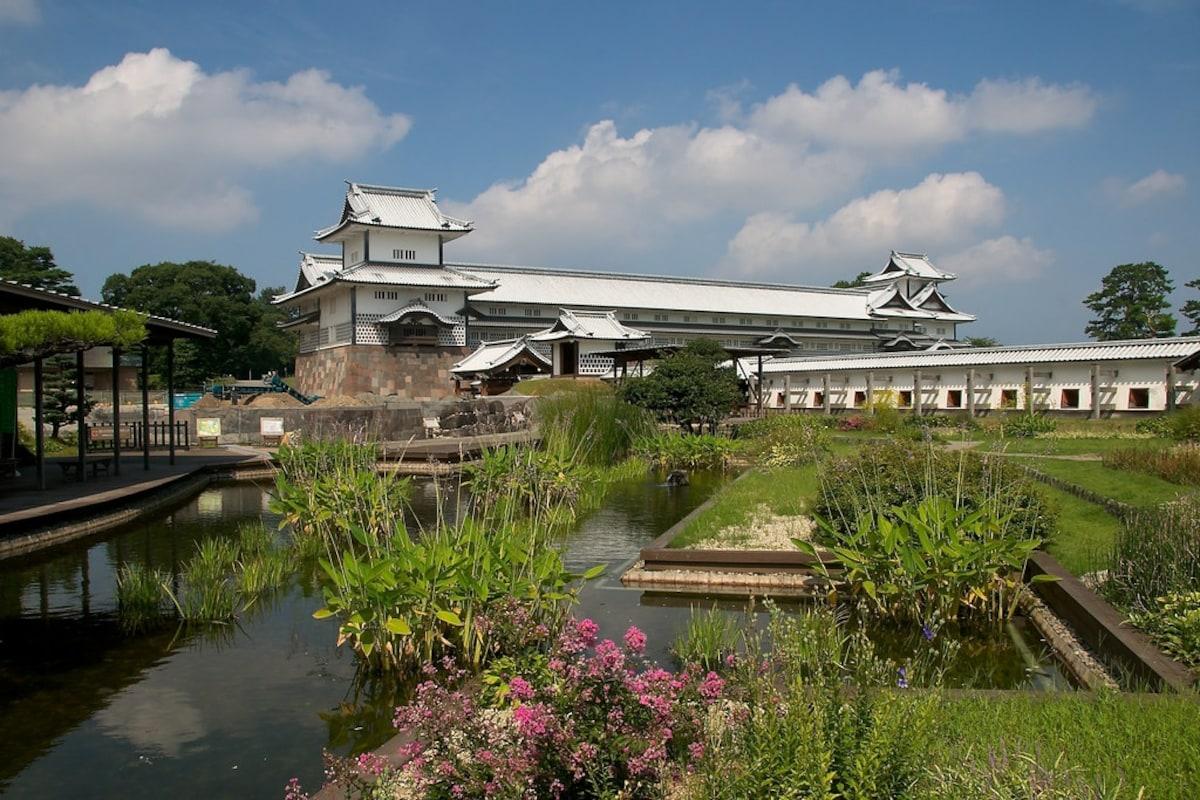 12. Kanazawa Castle