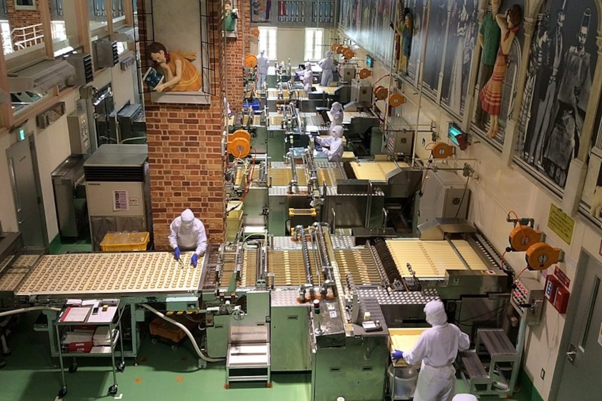 21. Have a fun-filled trip to the Ishiya Chocolate Factory