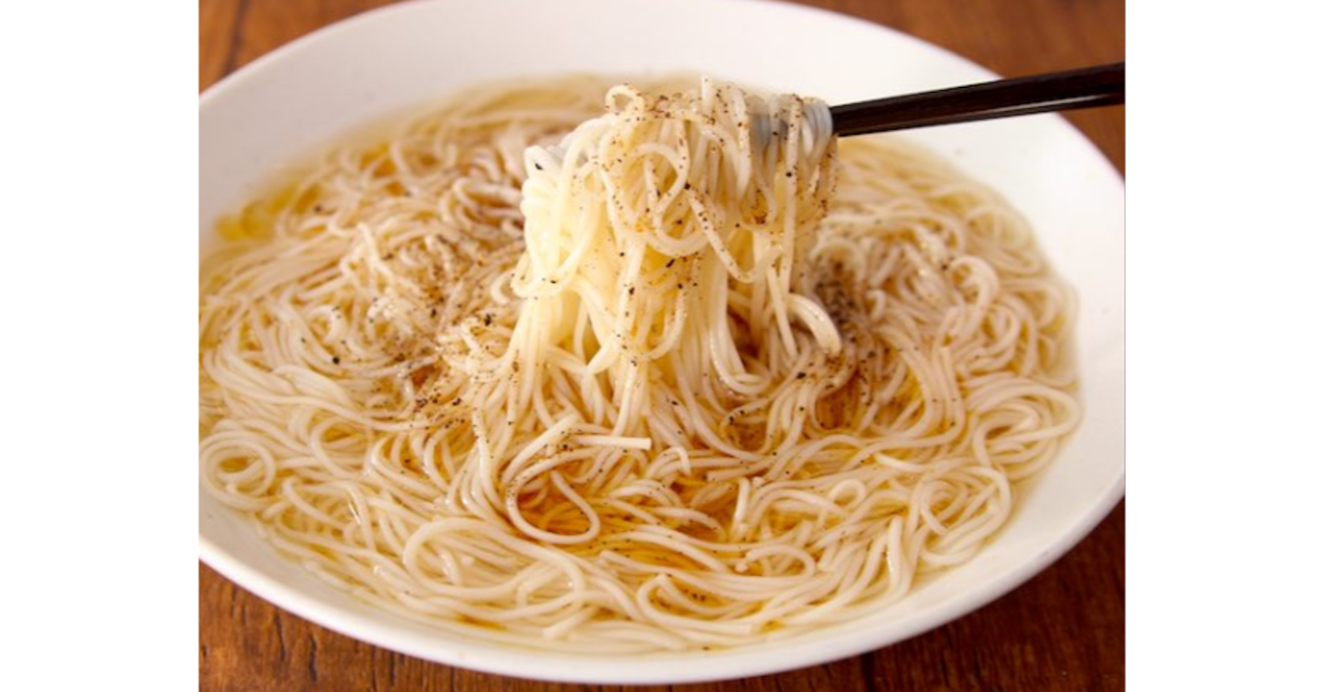 これからの季節にピッタリ!素麺で【塩ラーメン】が超簡単に作れちゃう♪「本当に塩ラーメンでした!」「コレは夏の素麺ローテに入れる!」と絶賛の嵐