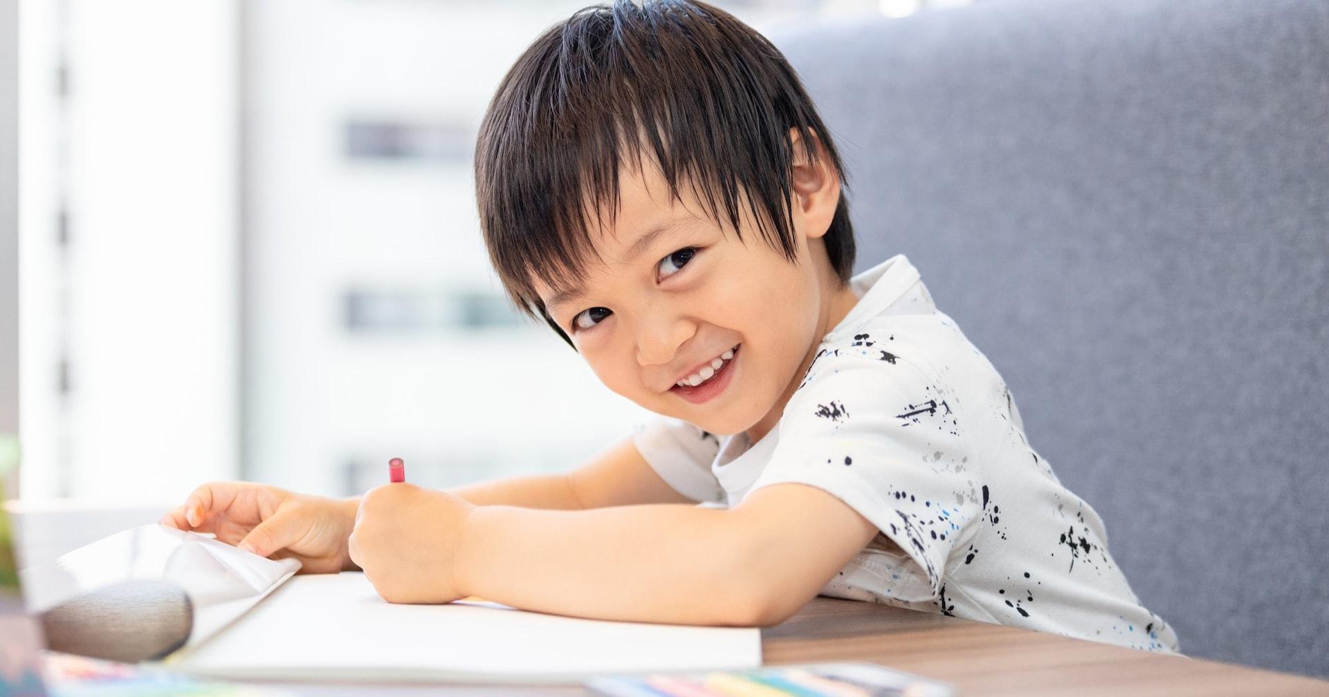 4歳息子に「ママはなにいろがすき?」と聞かれたので「青色かな~」と答えたら…その後の展開に心癒された!