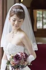 花嫁の定番!ティアラアレンジ