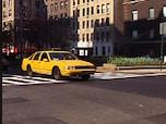 タクシーの運転手に行き先を告げる時の「Can you take me~?」